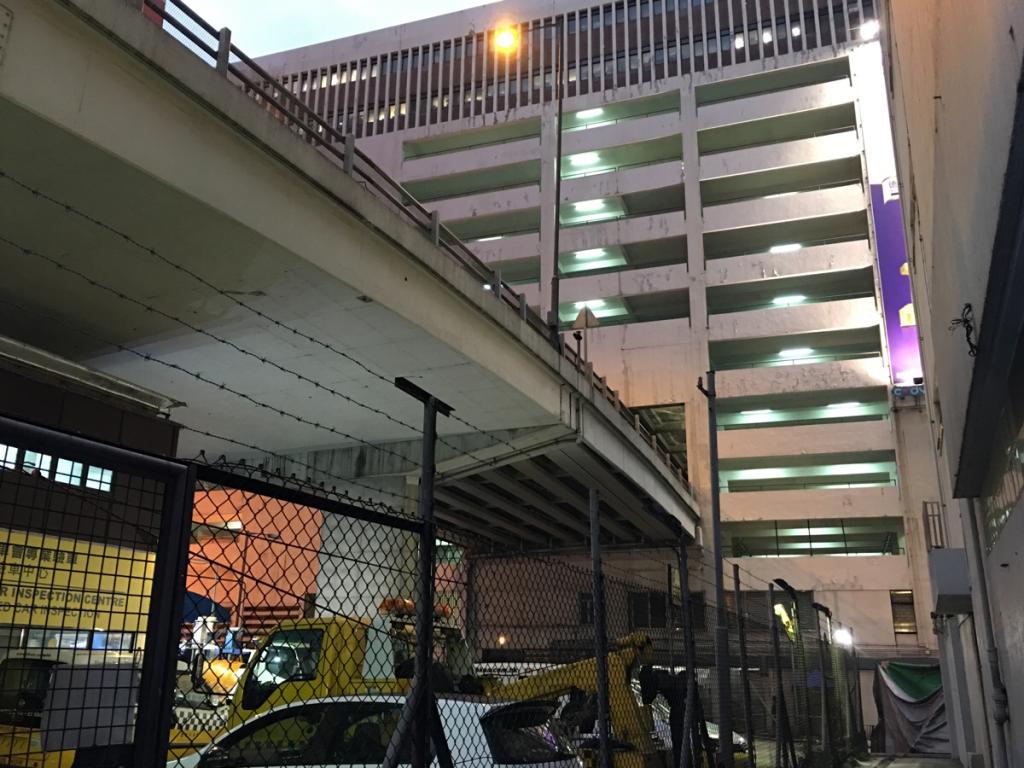 ちょっと怪しい夕暮れの油麻地を探索しました 油麻地停車場大廈(Yau Ma Tei Carpark Building) ~ 男人街~ 美都餐室(Mido Cafe)