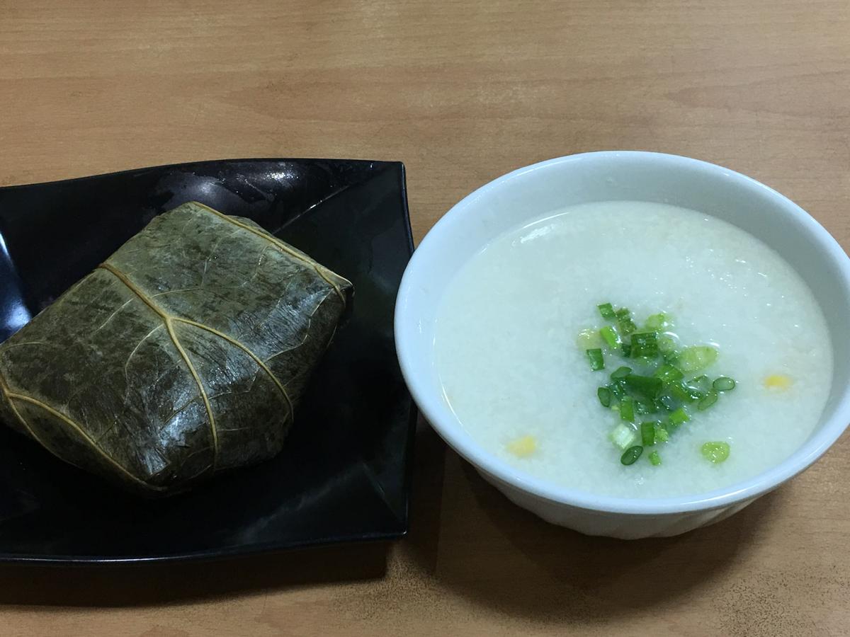朝の香港油麻地を散歩 ~ (1)美味しかったけど炭水化物オンリーになってしまった朝食セット / 金翡翠茶餐廳@文明里
