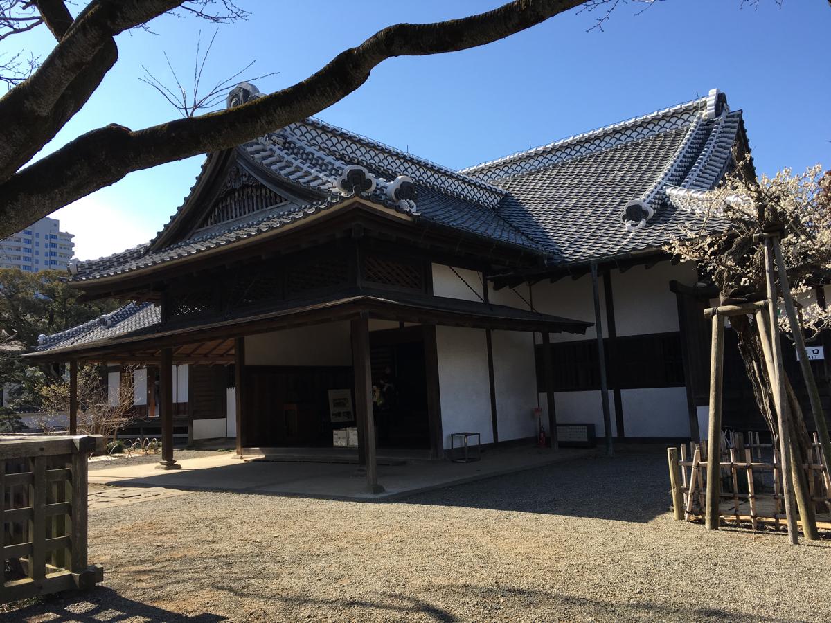 はじめての水戸観光 (5)弘道館で建物と梅を鑑賞して、黄門様ご一行の写真を撮りました