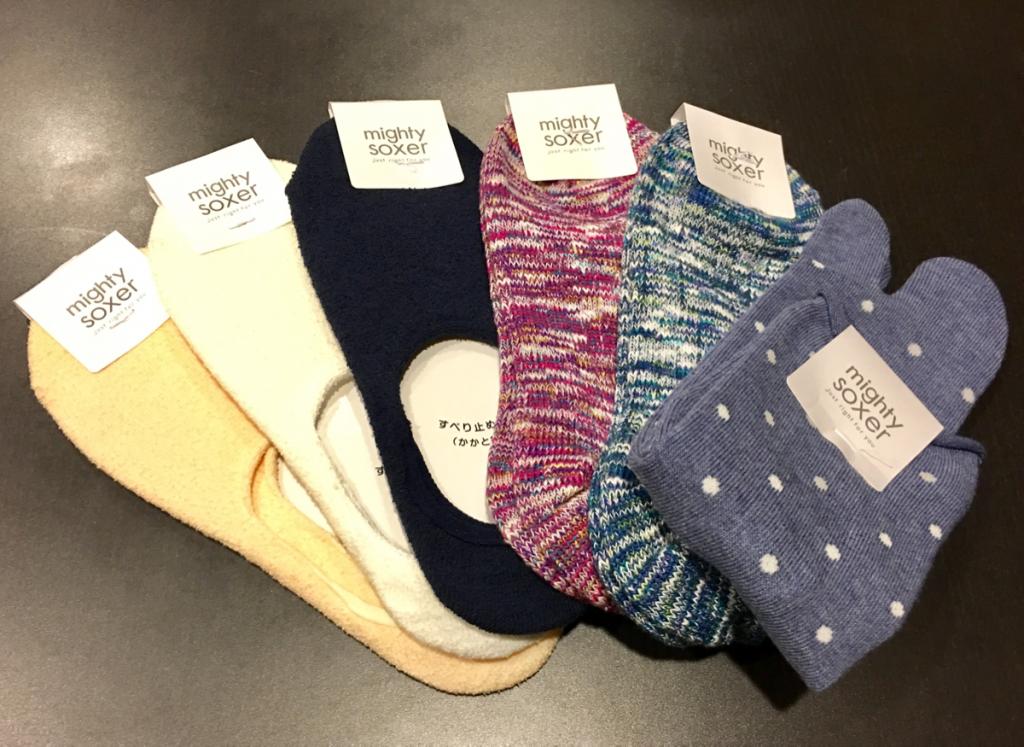 子連れで京都旅行~(9)いつも日本で買う「靴下屋」の靴下を娘とお揃いで買ってみた
