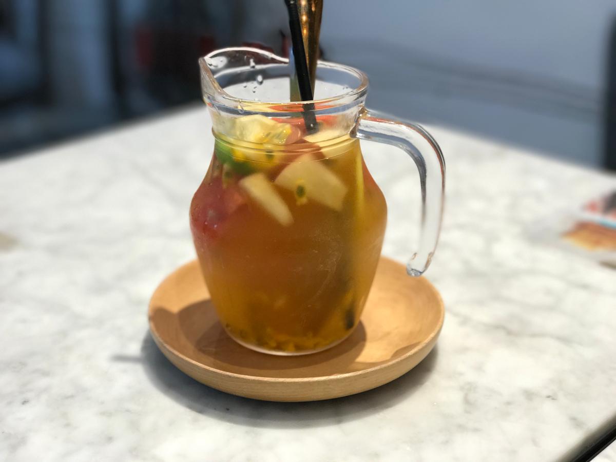發記甜品 (ラッキーデザート)のお気に入りメニューの「楊枝甘露」と「招牌水果茶」