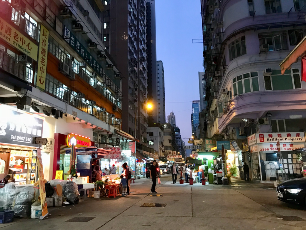 旺角街市を抜けてドラマで出てきた歩道橋まで歩いた~ドラマ「恋する香港」のロケ地を散歩