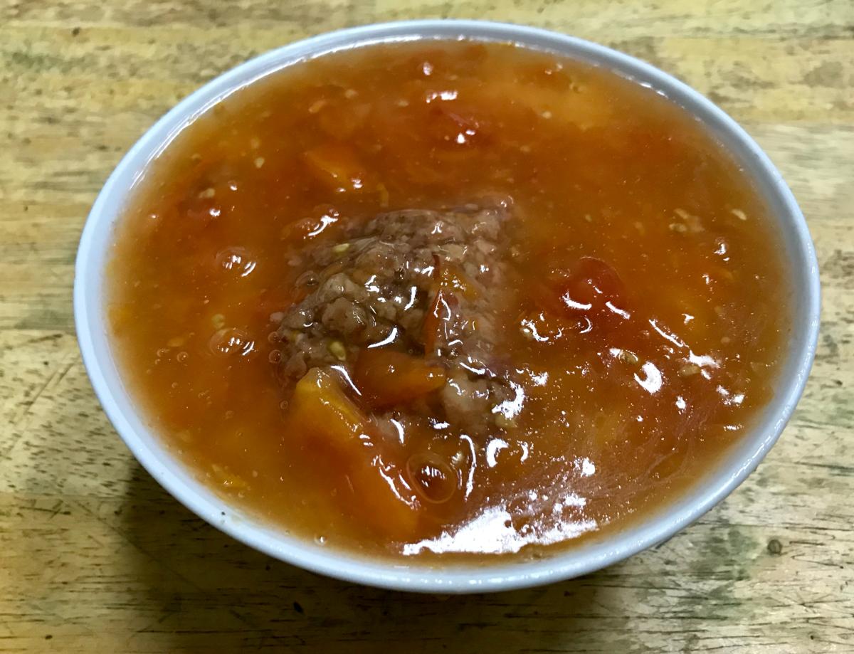尖沙咀の怪しい雑居ビルの地下にある星座冰室(Star Cafe)でトマト麵(番茄威牛肉麺)を食べた
