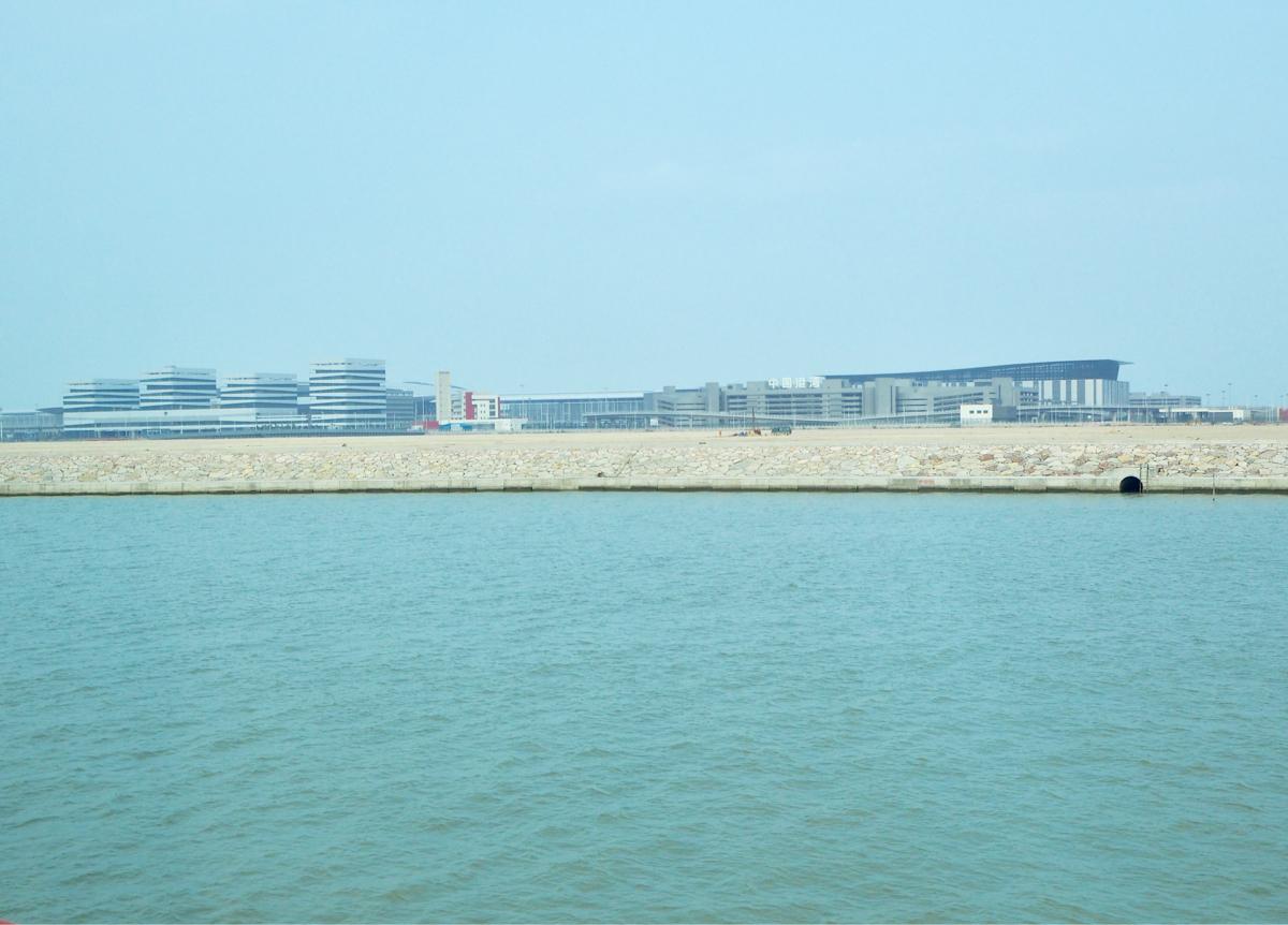 まるこの香港生活香港とマカオ/珠海を結ぶ橋である港珠澳大橋のマカオ側のイミグレーション「珠澳口岸」の建物が思いのほか出来上がっていて驚いたよく読まれている記事最近の投稿アーカイブカテゴリーメタ情報