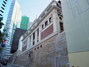 施設に入る前に塀の外側を一周した~香港セントラルにある旧中央警察がアート施設になった大館(Tai Kwun)を訪問(3)
