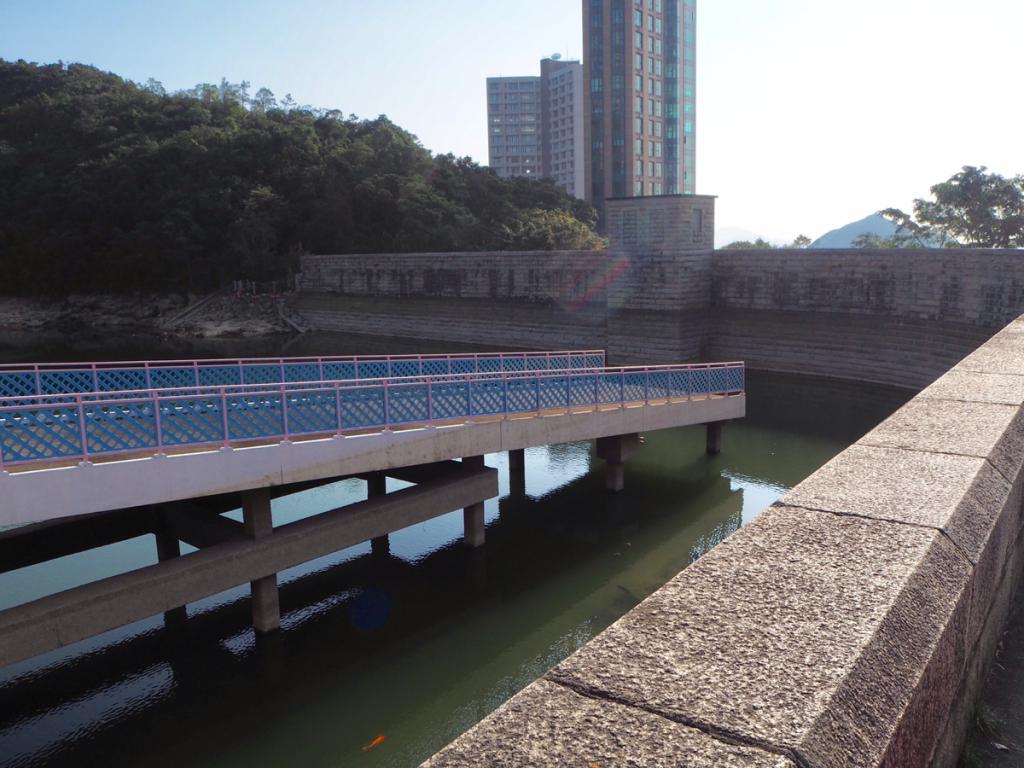 帰り道にウォンナイチュンダム(黃泥涌水塘水壩)という別のダムを発見して、香港は本当にダムが多いなと思った〜大潭水務文物徑(Tai Tam Waterworks Heritage Trail)をお散歩(5)