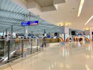 香港国際空港第2ターミナルにあるスターバックスコーヒーとパシフィックコーヒーは、それほど混んでいないので穴場です