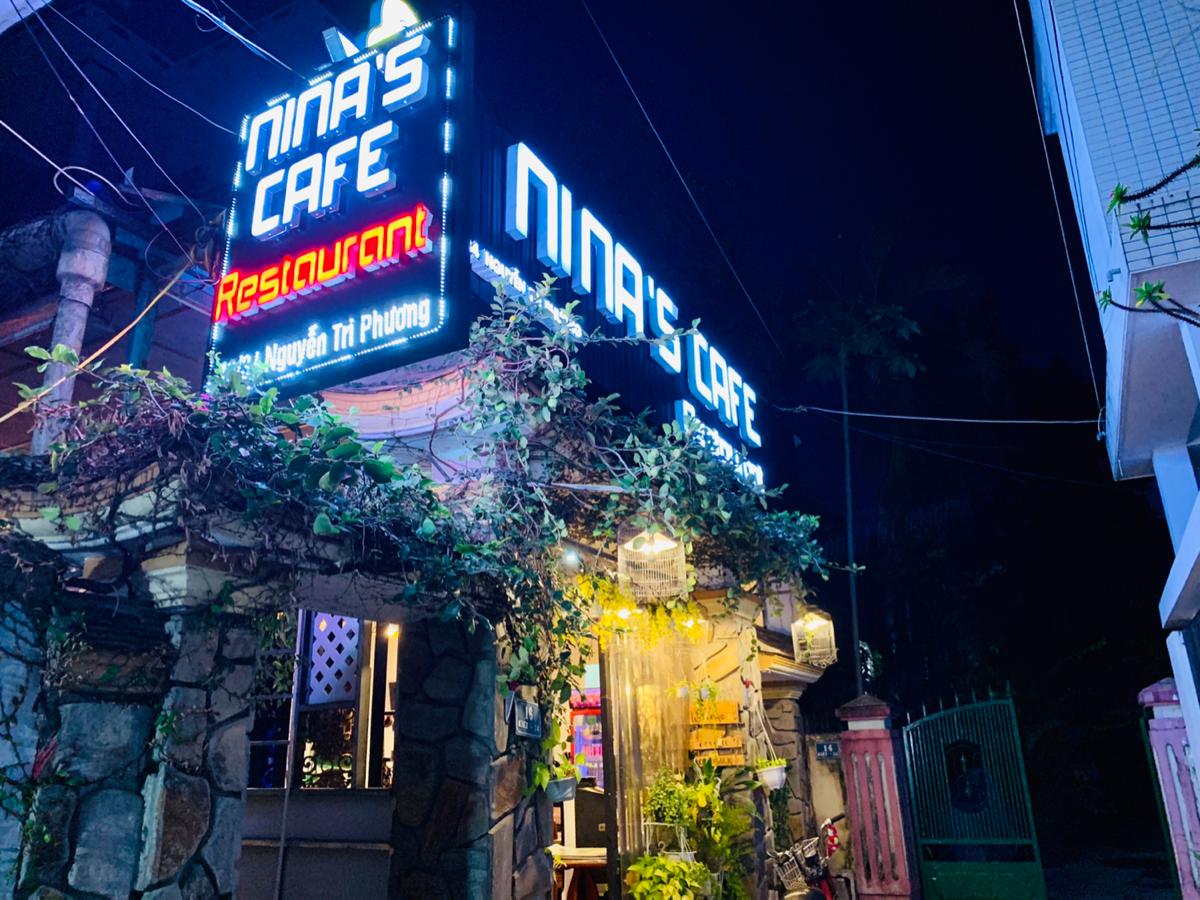 フエにあるお洒落な外国人向けカフェ「Nina'Nina's Cafe」で、フエ名物料理を食べた〜子連れ旅行@ベトナムフエ(1)