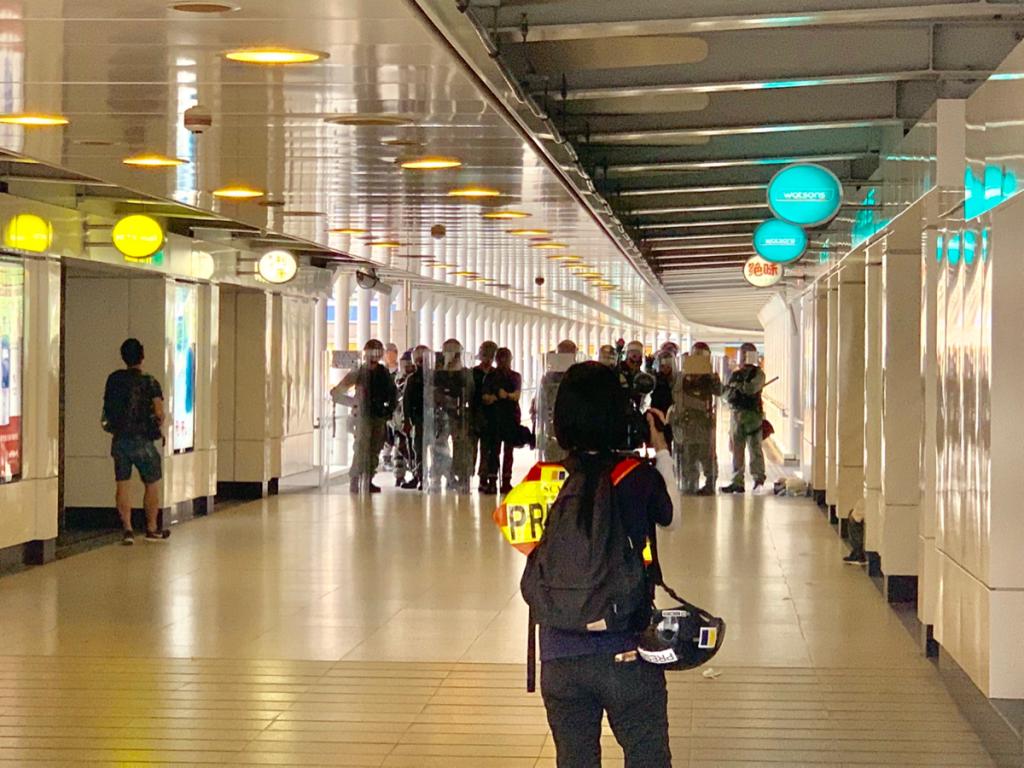 東涌駅のデモ現場に遭遇して、緊急時に外国人は「情報弱者」なんだなと思った