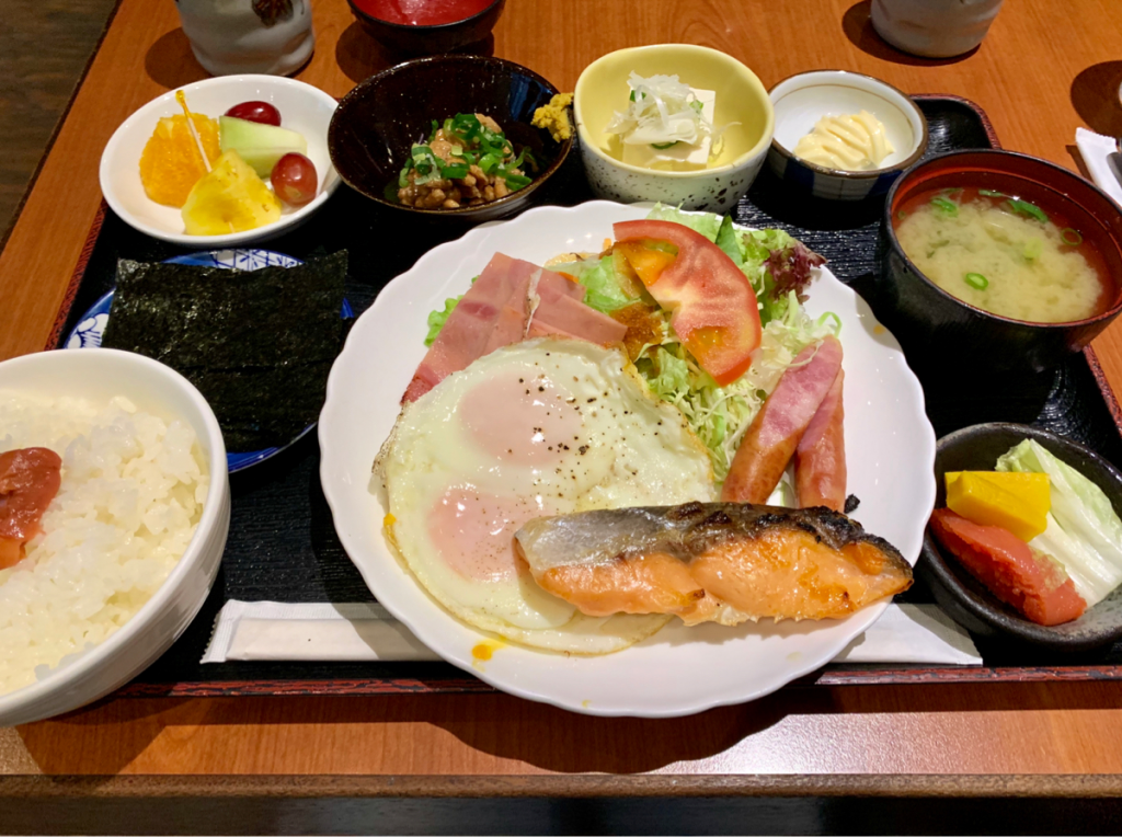 お昼に食べた元気一杯@尖沙咀の「朝定食」でお腹がいっぱいになった