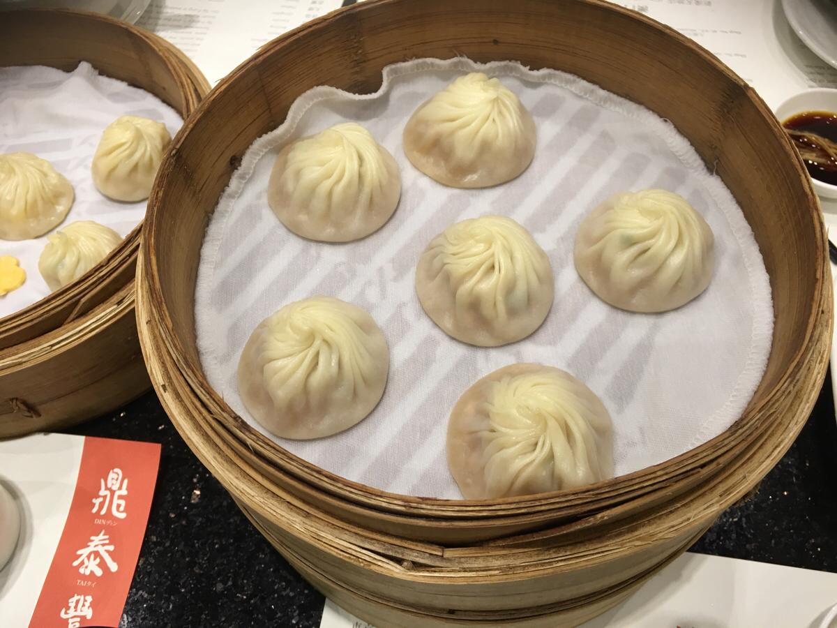 クリスマスイブでも普通に中華料理を食べました / 鼎泰豐(Din Tai Fung) / 百匯軒(Deluxe Cuisine)