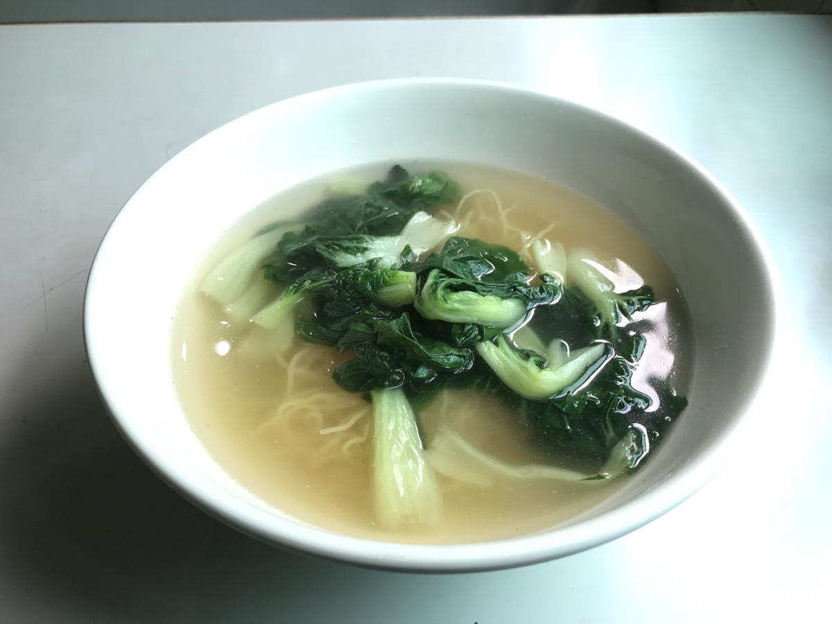 香港油麻地の美都餐室(Mido Cafe)で朝ご飯〜時菜淨湯麵(Vegitable noodle in soup)は食欲のない朝でもさらっと食べられました