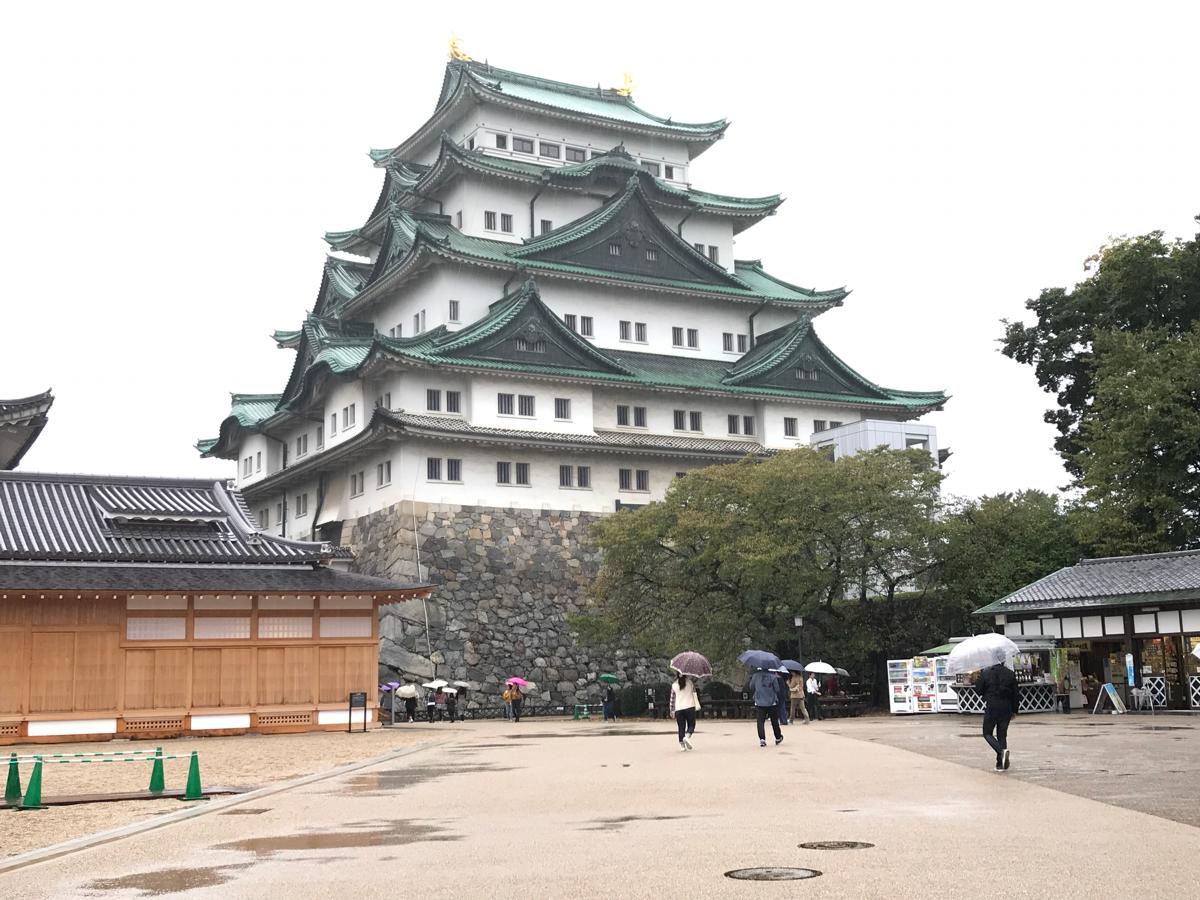 まずは駅ビルの「とんかつ さくら亭」で腹ごしらえしながら「ひとり作戦会議」〜台風で名古屋に1日足止め(1)