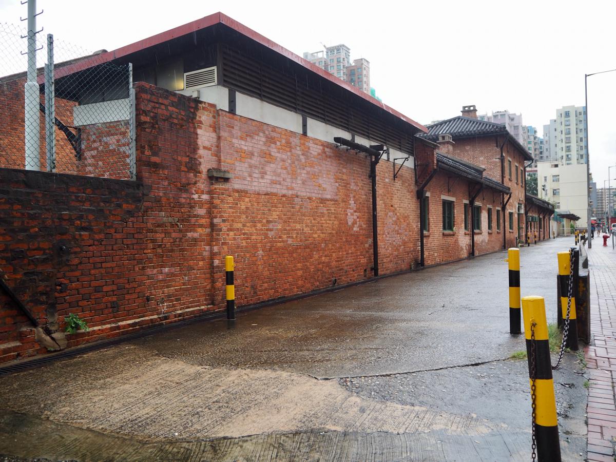 「牛棚藝術村」は屠畜場兼動物検疫所が芸術関連施設に生まれ変わったかなりディープな場所だった〜香港歴史散歩@土瓜灣