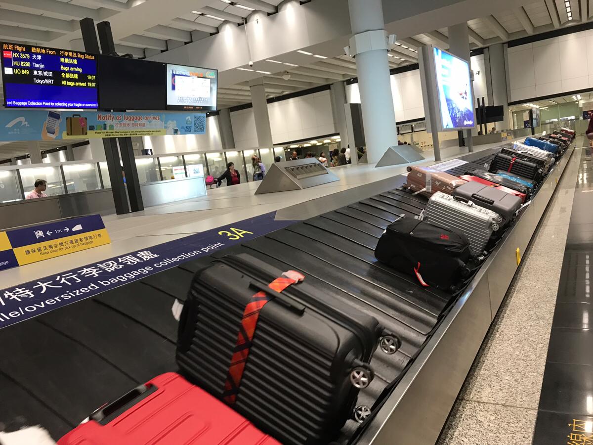 香港エクスプレスの機内では、スナックやおつまみを買うくらいがちょうど良い