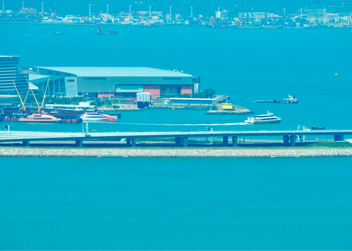 香港国際空港発の空港バスが、港珠澳大橋のイミグレーション経由になったことが気になる