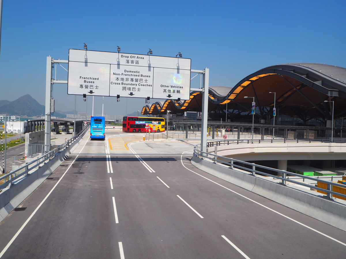 香港国際空港行きのバスで終点の港珠澳大橋のイミグレーションのある香港口岸まで渡ってみた