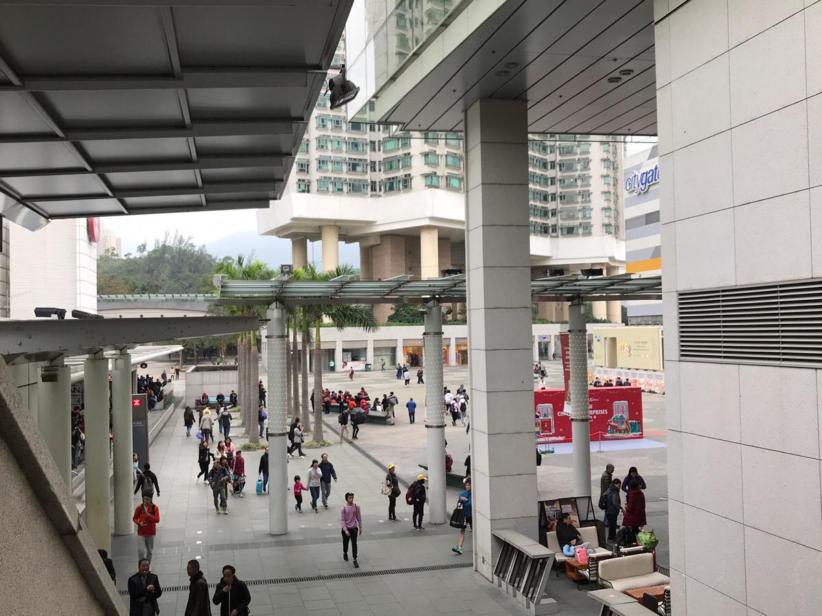 港珠澳大橋の開通によって東涌で大幅に増えた中国人が少なくなったのは、団体ツアーの規制と寒くなったことが原因だと思う