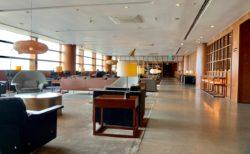 マニラのニノイアキノ国際空港のターミナル3を探索してからキャセイラウンジでくつろいだ