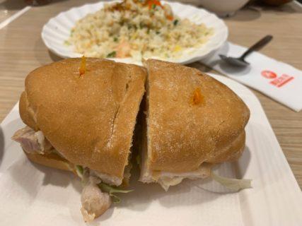 尖沙咀でポークチョップバーガーを食べて、マカオで一度も食べたことが無いことに気づいた