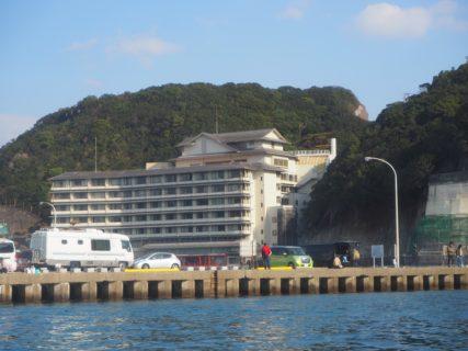 浦島太郎の竜宮城みたいな「ホテル浦島@那智勝浦」で、まぐろを堪能したり洞窟温泉を楽しんだりした