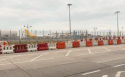 忘れ物を日本に発送するために、香港国際空港の禁断のエリア「貨物地区」に強引に潜入した