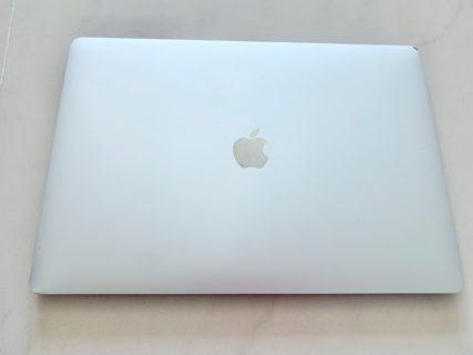 香港の学生が持っているパソコンはMacBookがダントツで多い気がする