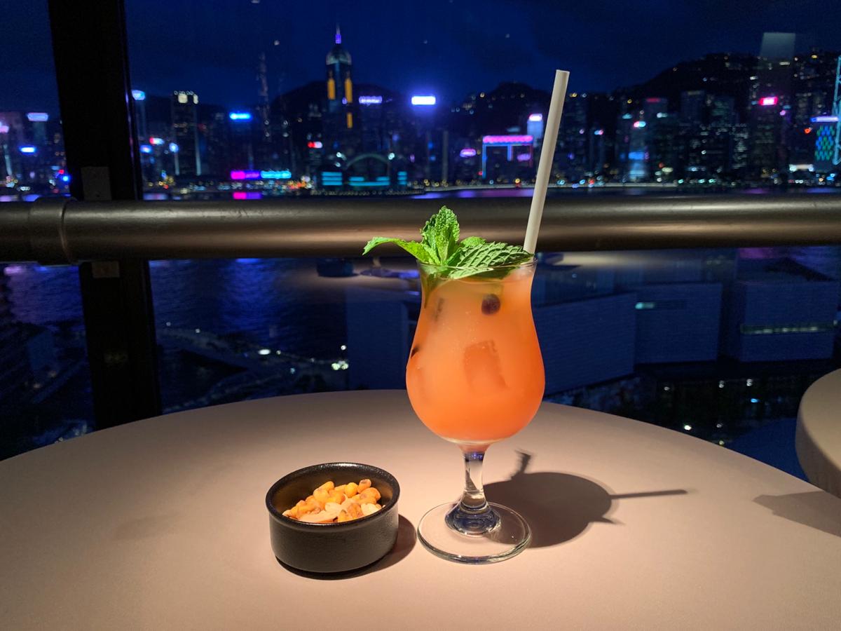 スカイラウンジ@シェラトンホテル香港で、香港の夜景を堪能した