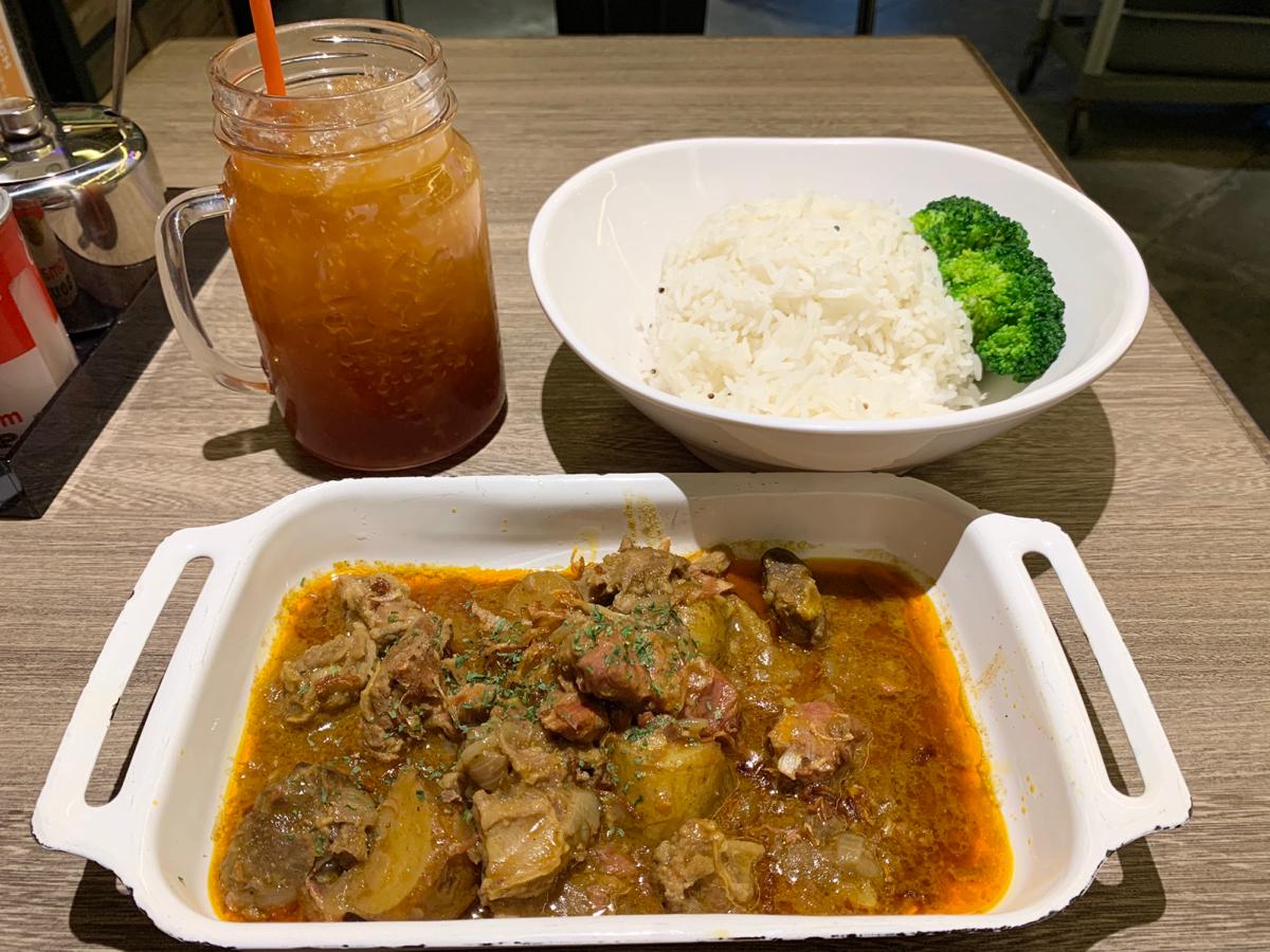 今日の昼ごはん~咖喱牛坑腩/百份百餐廳(CAFE 100%)@尖沙咀