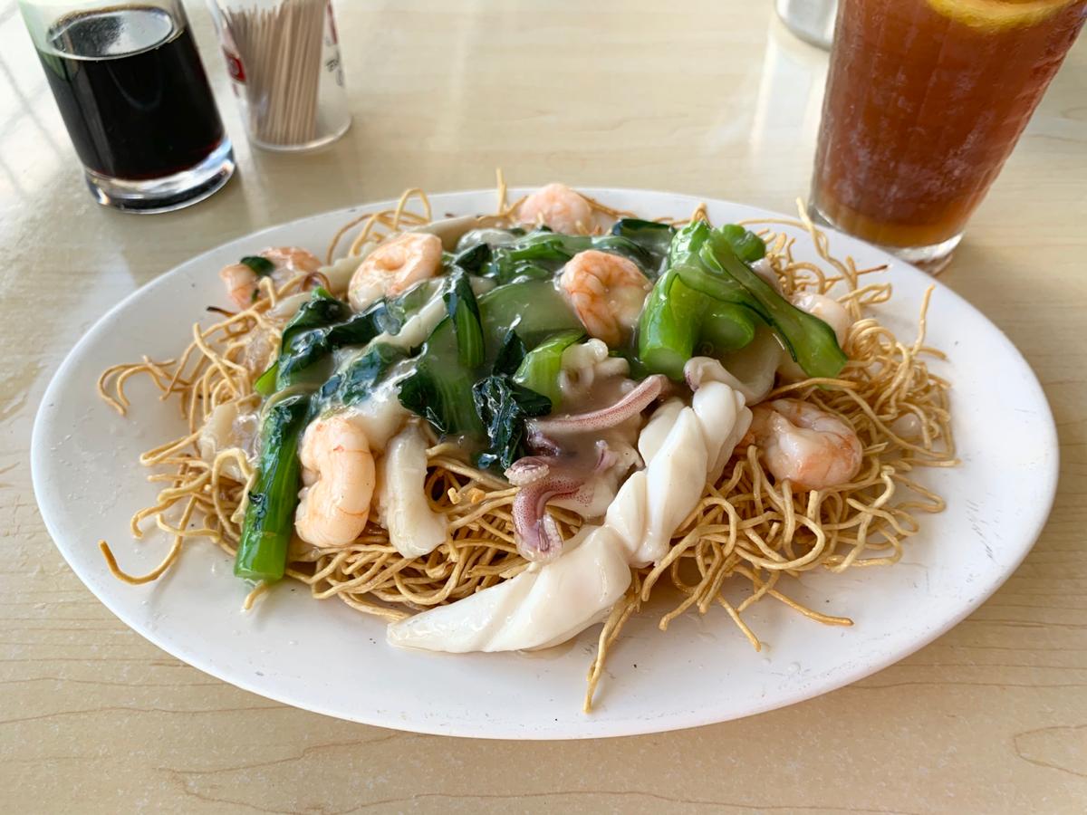 今日の昼ごはん~菜遠海鮮炒麵/華記海鮮飯店@梅窩